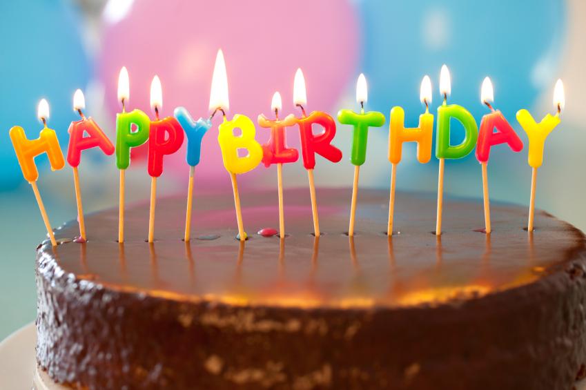 Торт со свечками картинка