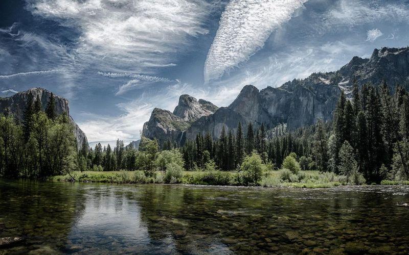Монолитные гранитные горы Йосемитском национальном парке