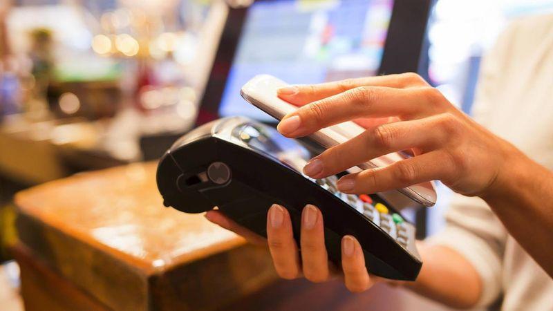 Оплата при помощи смартфона с NFC