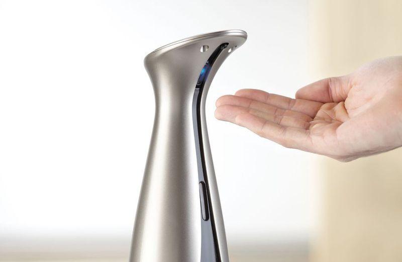 Сенсорный дозатор мыла
