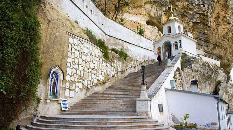 Свято-Успенский монастырь - спуск