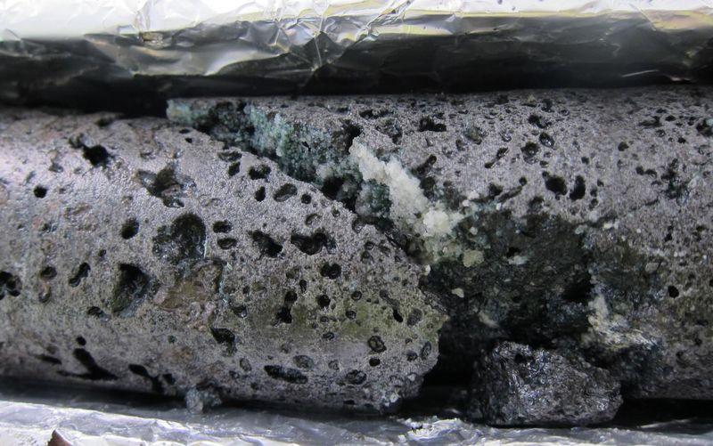 Камни из CO2