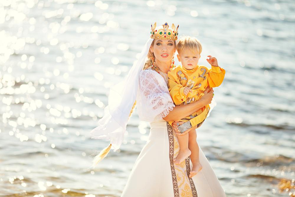 принцесса с ребенком