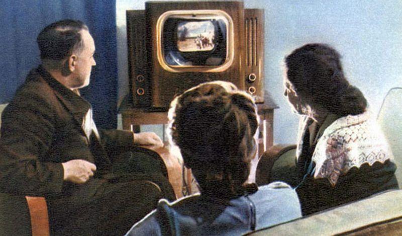 Первые цветные телевизоры
