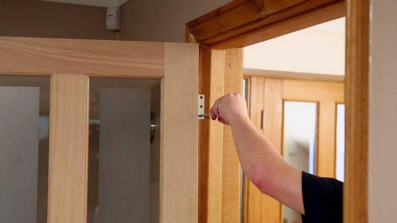 Двери с петлями своими руками 17