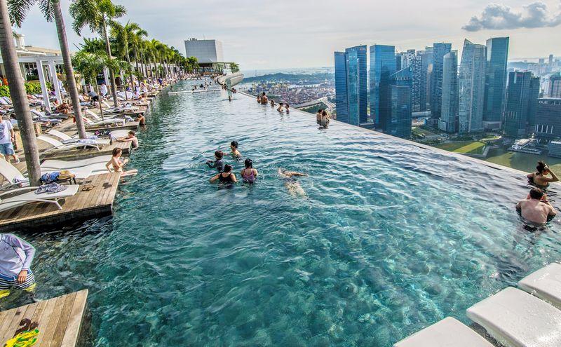 Бассейн сингапурского отеля Marina Bay Sands