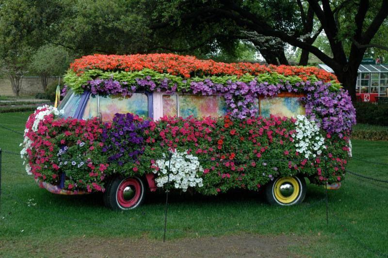 Автобус в цветах