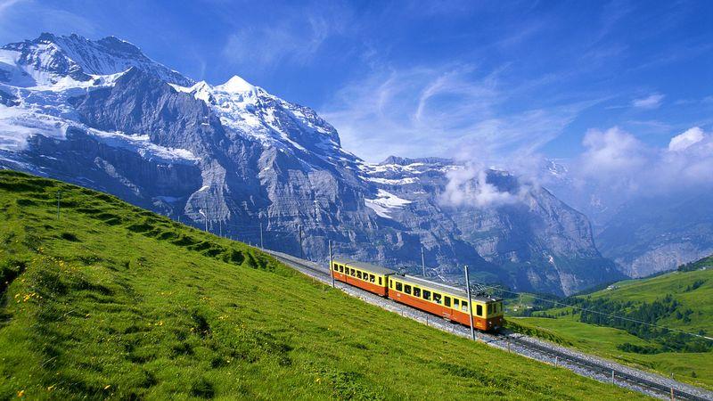 Железная дорога в Швейцарской провинции Берн