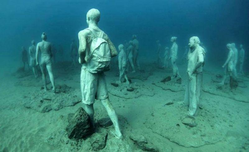 Скульптуры на морском дне