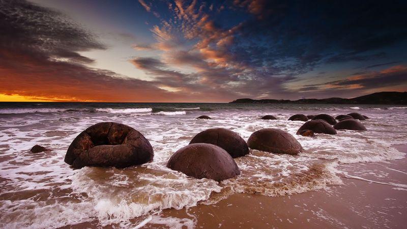 Пляж «драконьих яиц» (Новая Зеландия)
