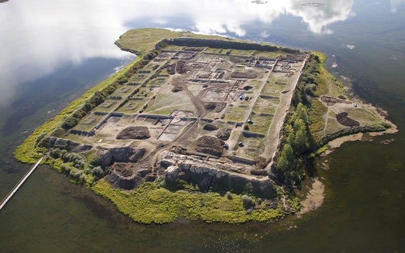 Остров руин Пор-Бажын