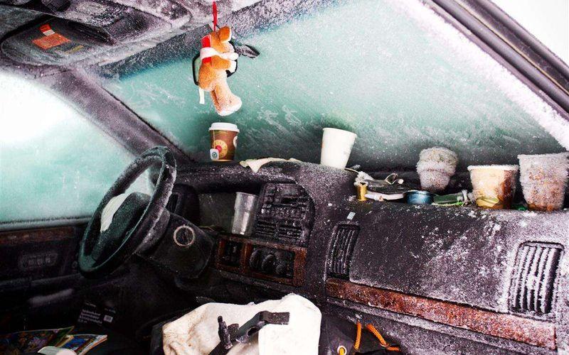 Автомобиль под лавиной