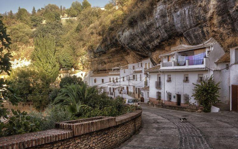 Деревня Сетениль-де-лас-Бодегас, провинция Кадис