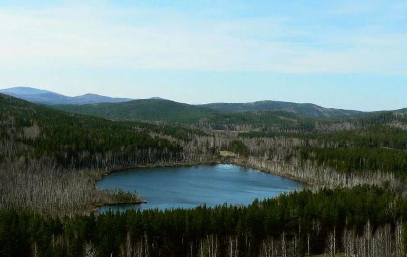 Пустое озеро в России