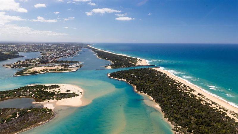 Светящиеся Гиппслендские озера в Австралии