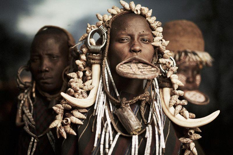 Женщины племени Мурси