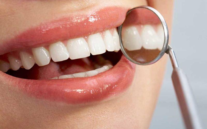 Керамические протезы на передние зубы