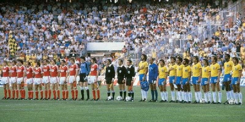 Команды Бразилии и Советского Союза на чемпионате мира по футболу