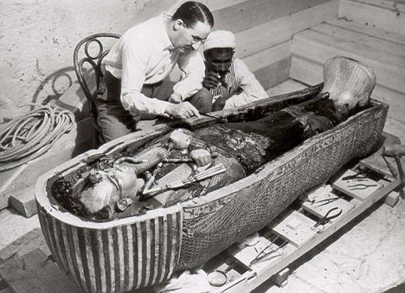 Изучение мумии Тутанхамона