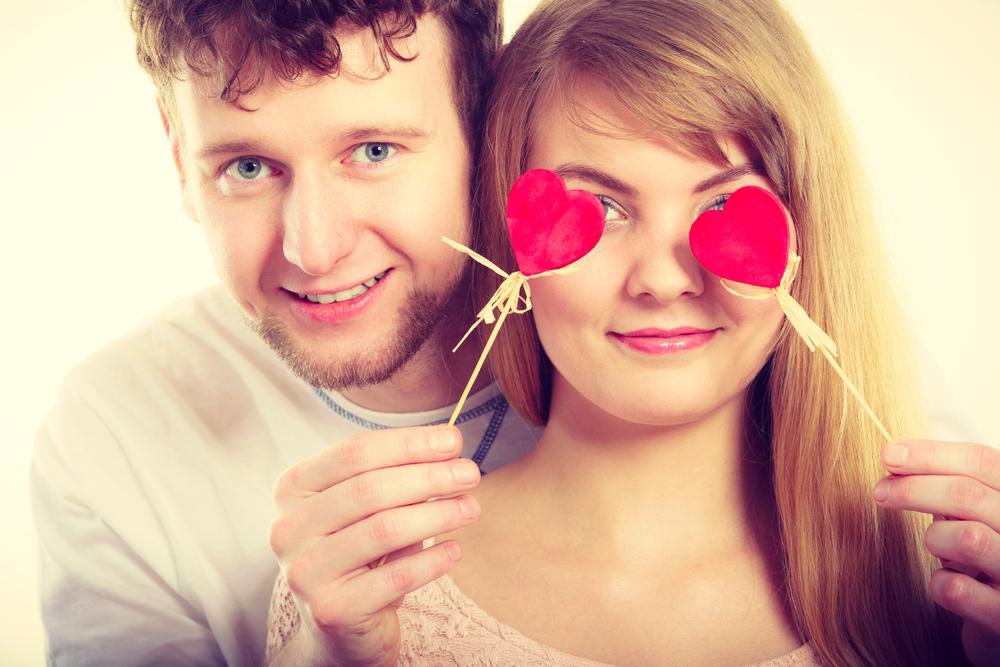 пару ослепила их любовь