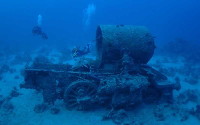 Затонувшие два локомотива с побережья Лонг-Бранч