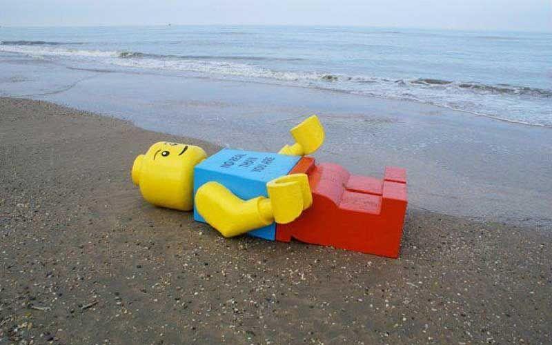 Человек-лего приплыл в Майами