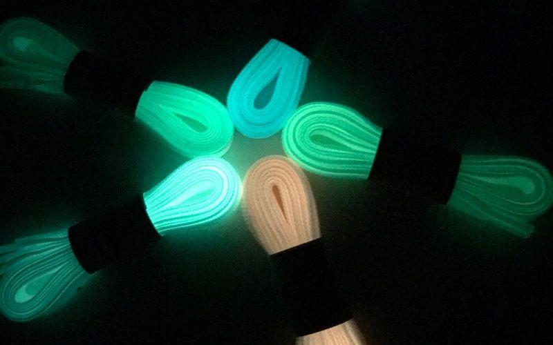 Универсальные светящиеся шнурки