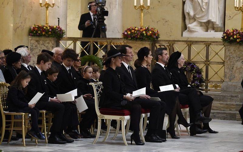 Стихи на похоронах