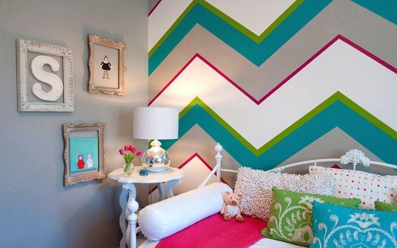 Геометрический узор в покраске стен