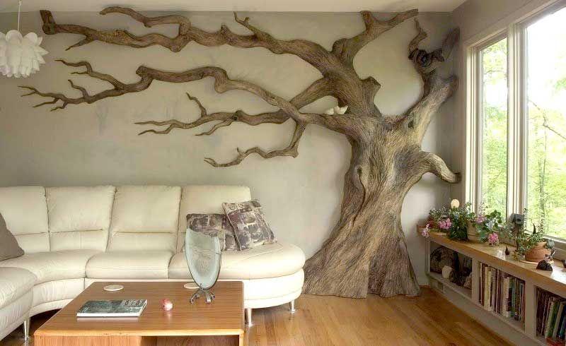 Ствол дерева в комнате