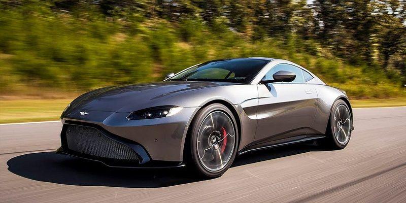 Спорткар Aston Martin Vantage