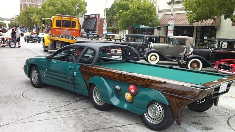 Автомобиль-бильярдный стол