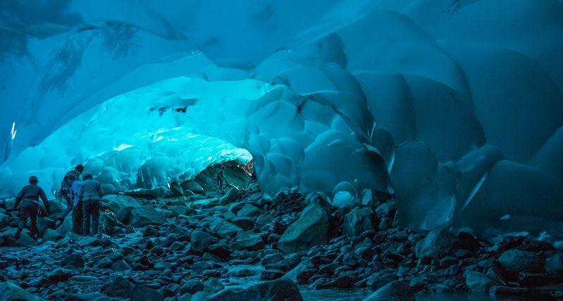 Ледниковые пещеры Менденхолл
