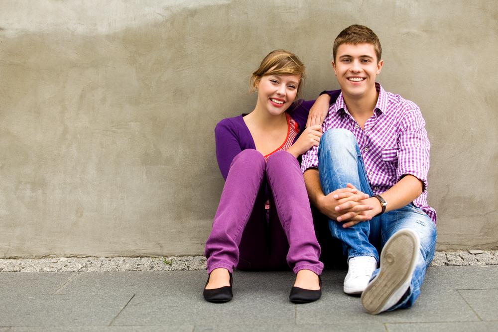 подростковая счастливая пара