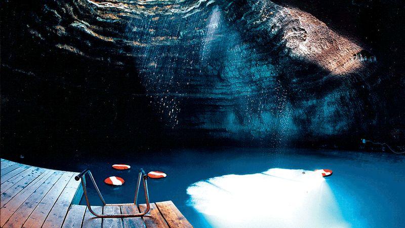 Бассейн в пещере