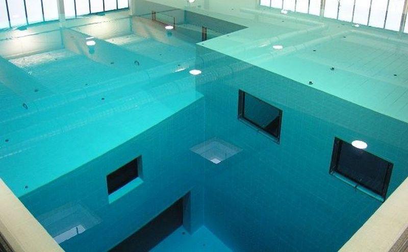 Самый глубокий бассейн Nemo 33