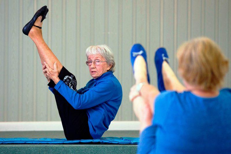 Мери Бейтс - самый старый инструктор по йоге