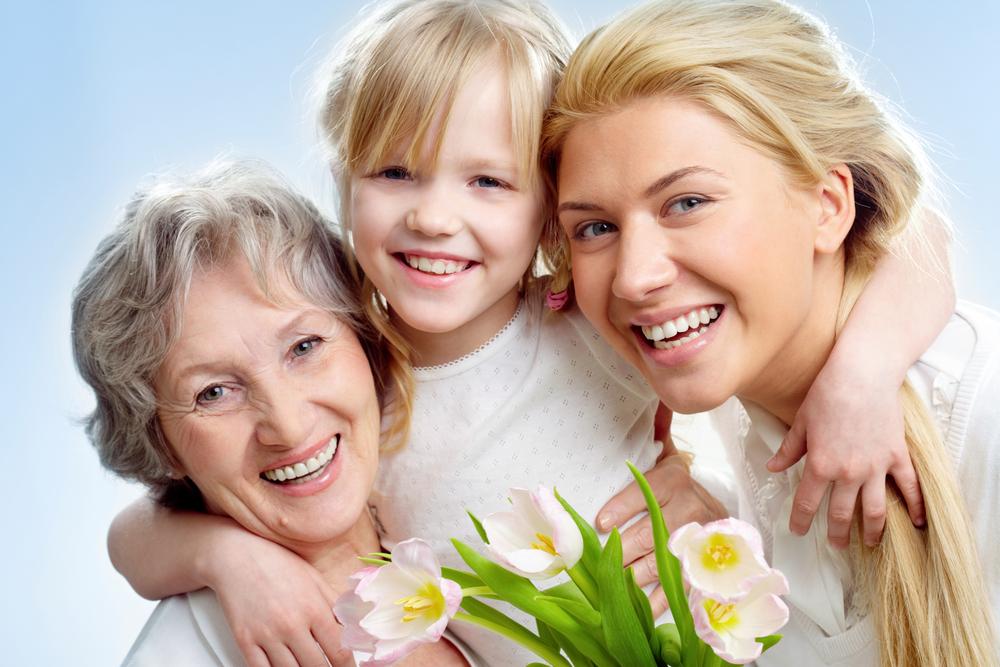 бабушка, дочь и внучка