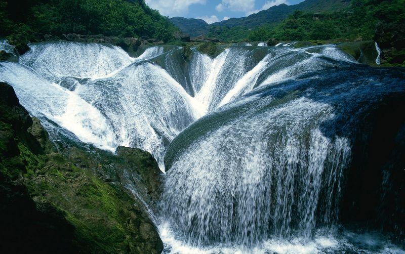 Водопад Чжэньчжутань