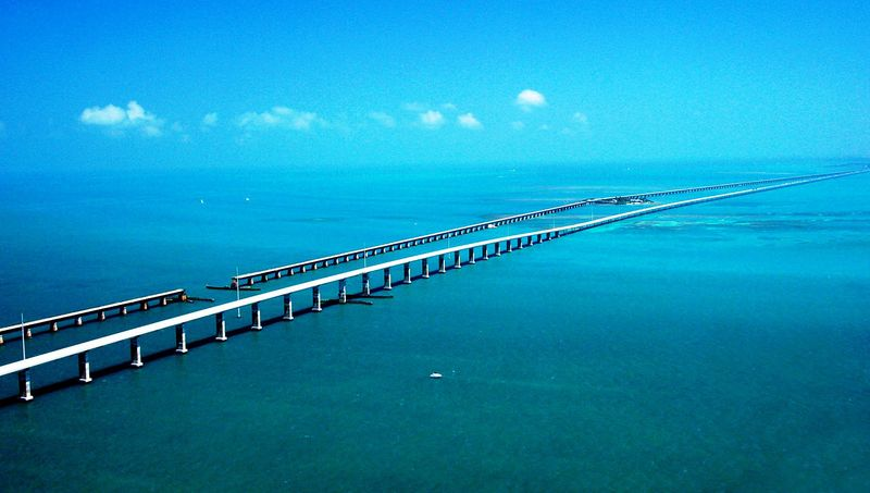 Железная дорога в водах Мексиканского залива