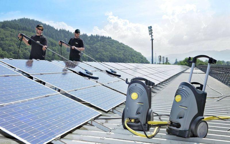 Чистка солнечной панели от загрязнений