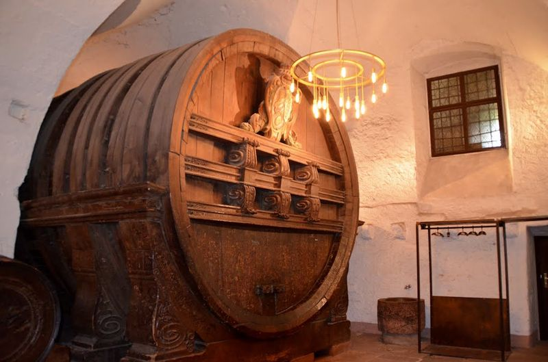 Самая большая в мире винная бочка