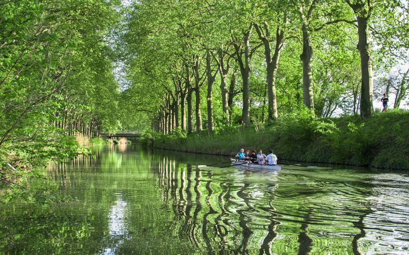 Южный канал во Франции