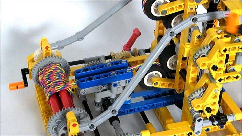 Лего - машина для плетения