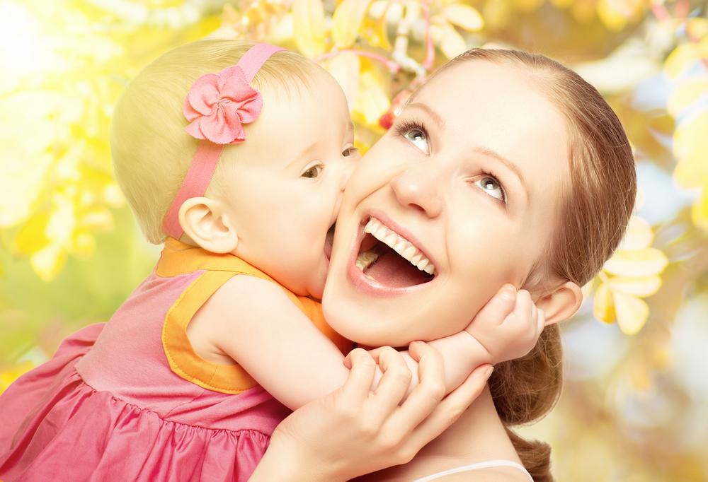 мама и ее маленькая дочь
