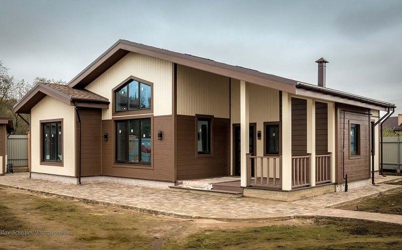 Проект дома с максимальной поверхностью прозрачных конструкций с южной стороны