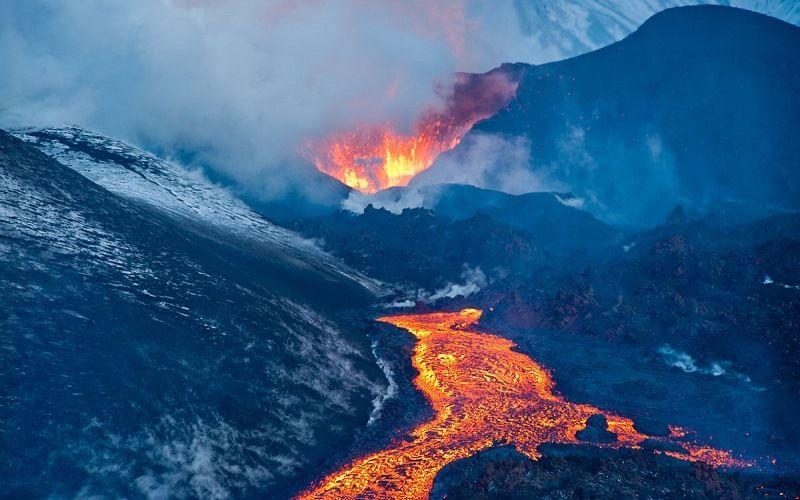 Действующий вулкан Толбачик