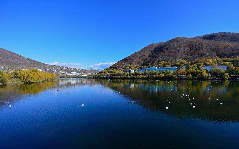 Озеро в Долине гейзеров на Камчатке