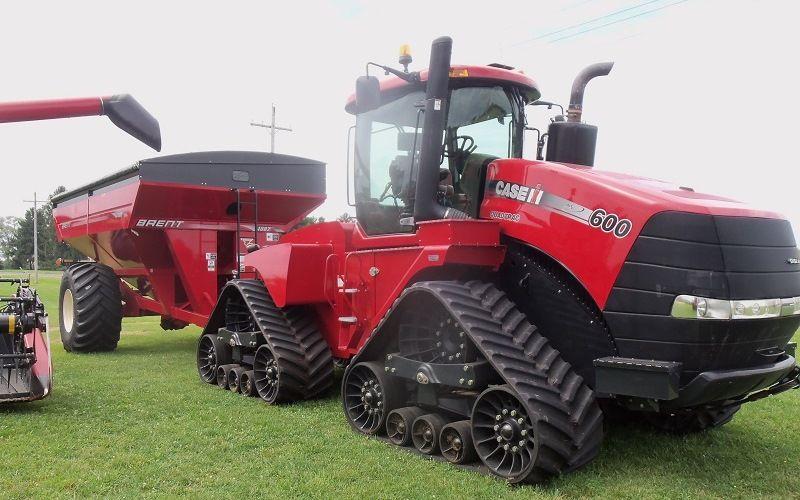 Гусеничный трактор Quadtrac 600