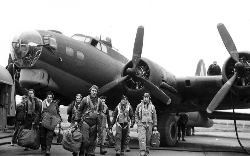 Boeing B-17 (Flying Fortess)